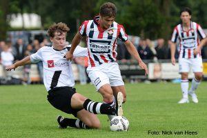 Bart Grobee en Jeffrey Meeus tegen Willem II in Diessen